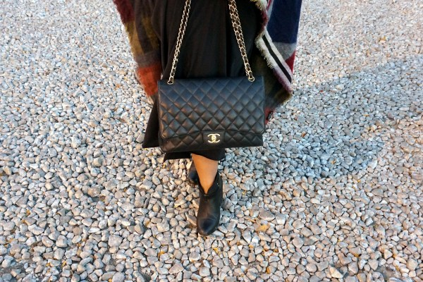 Chanel Maxi Bag Black Gold Hardware