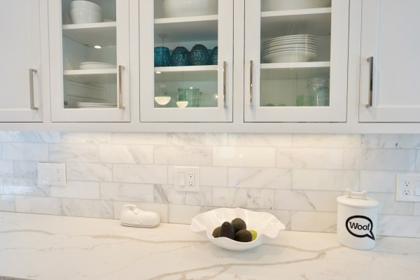 Carrara Marble Subway Tile Backplash