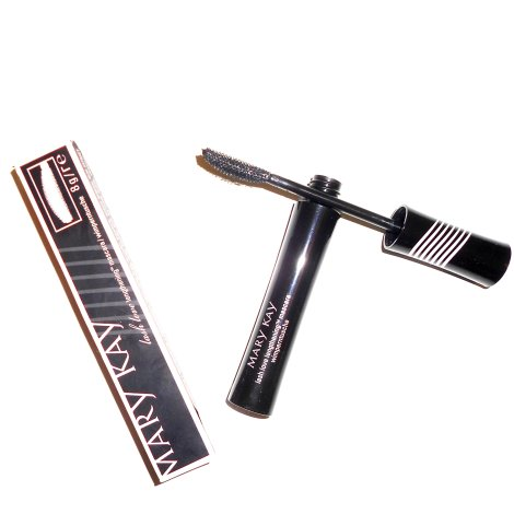 mary-kay-lash-love-lengthening-mascara-wand