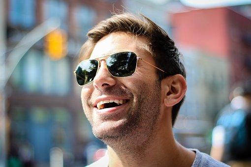 Praktijk Glansreijk - lachende man