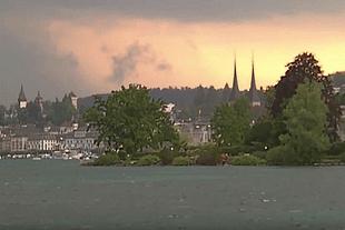 Gewitter über der Seebucht in Luzern (Glarean Magazin)