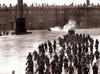 Liebesgeschichte inmitten Kriegswirren: Eisensteins Film-Sequenz «Sturm auf das Winter-Palais des Zaren»
