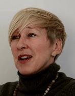 Claudia Praxmayer - Bienenkönigin - Biologin - Glarean Magazin