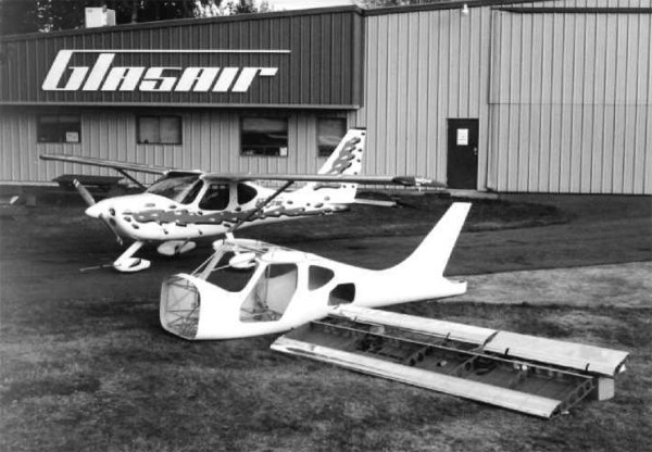 Glastar Airplane Kit - Year of Clean Water
