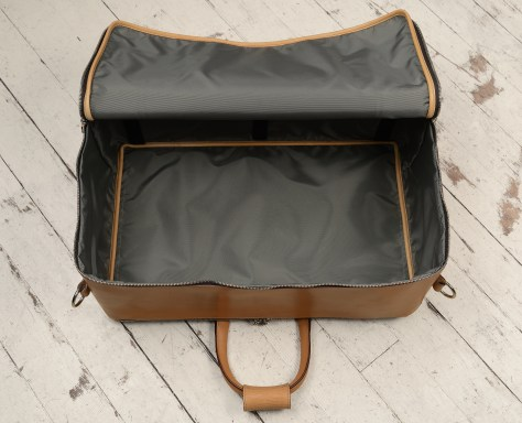 Hand-grained-natural-Square-Duffel;-20-x-13-x-8'-topdown