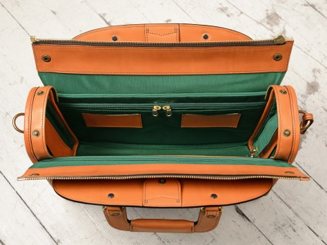 Hand-burnished-chestnut-Deal-Bag-with-forest-green-grosgrain-lining;-17-x-12-x-5'-topdown2