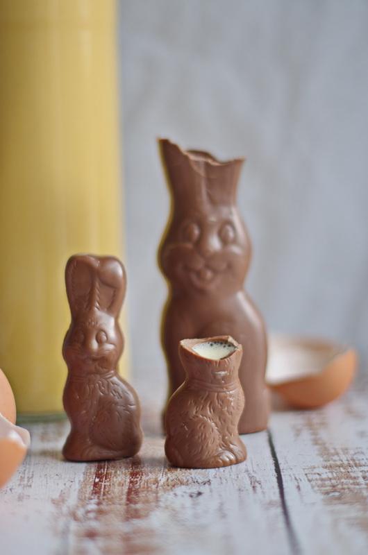Eierlikoer kann toll aus Schoko-Osterhasen getrunken werden!