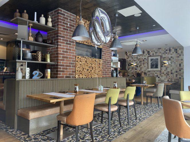 Inside Loks bar and kitchen shawlands