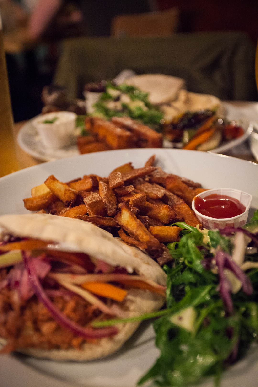 Stereo Glasgow is a vegan restaurant, a bar and a club & music venue in Glasgow. All the food at Stereo is 100% vegan and prepared fresh to order. Looking for burgers, pizza or other delightful vegan comfort food in a relaxed environment? Then Stereo is for you!
