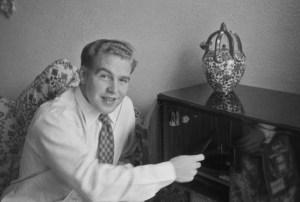alfred with radiogram
