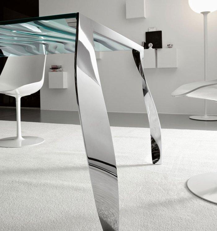 Tonelli luz de luna glass dining table detail