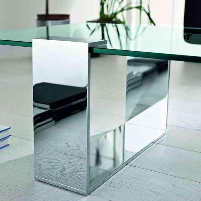Plinsky Glass Coffee Table by Tonelli