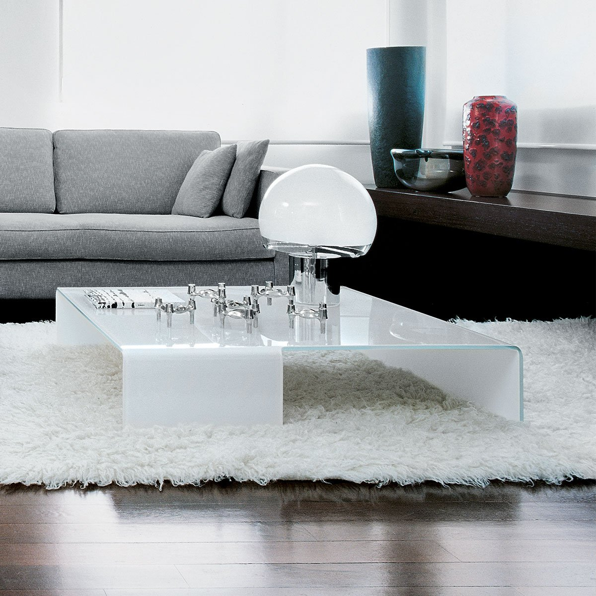 Taky Curved Glass Coffee Table: Spider Curved Glass Coffee Table