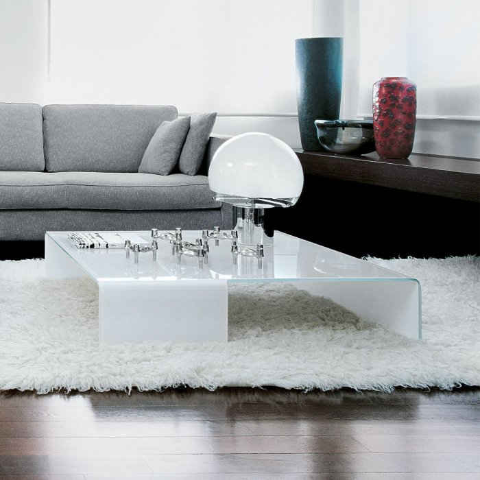 Spider Curved Glass Coffee Table by Sovet Italia