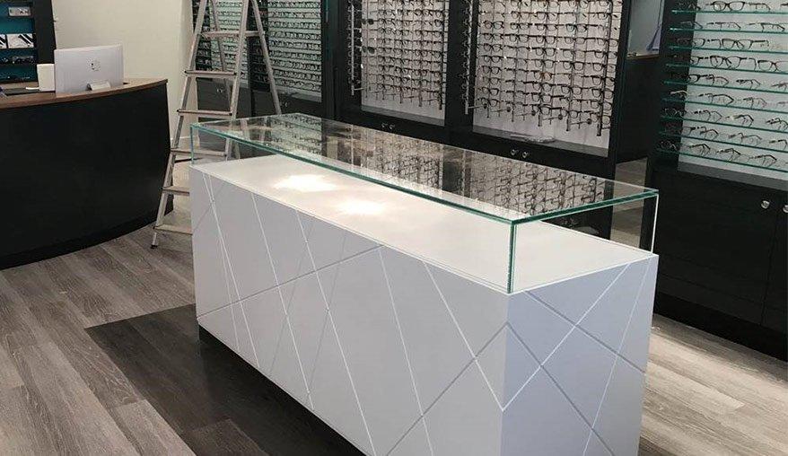 uv bonding - display cabinets