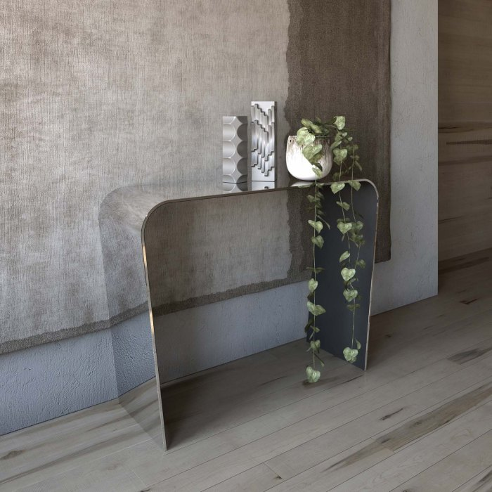 Oblique Mirrored glass console