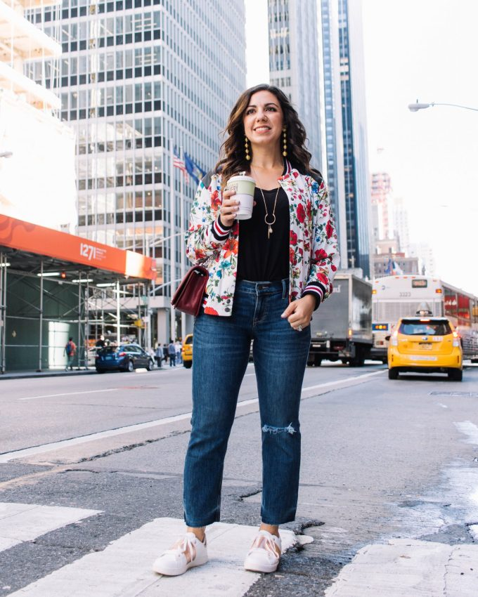 Lifestyle blogger Roxanne of Glass of Glam's tips about New York Fashion Week