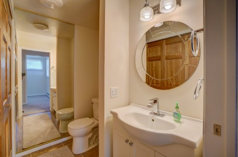 Upper Level 1/2 Bath & W/D