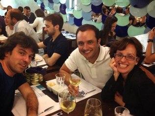 Foto postada por Darlan Penido, amigo de infância dos irmãos, no último encontro que tiveram em Portugal