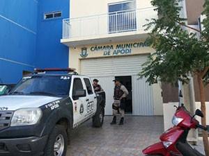 Câmara Municipal de Apodi, no RN, foi alvo de ação conjunta do MP e PM (Foto: Márcio Morais/G1)