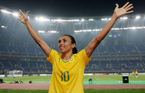 Marta é uma das estrelas da seleção que disputará torneio internacional no Arena das Dunas
