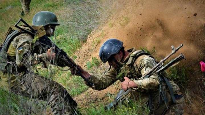 Фото иллюстративное - На Донбассе подорвался украинский военный