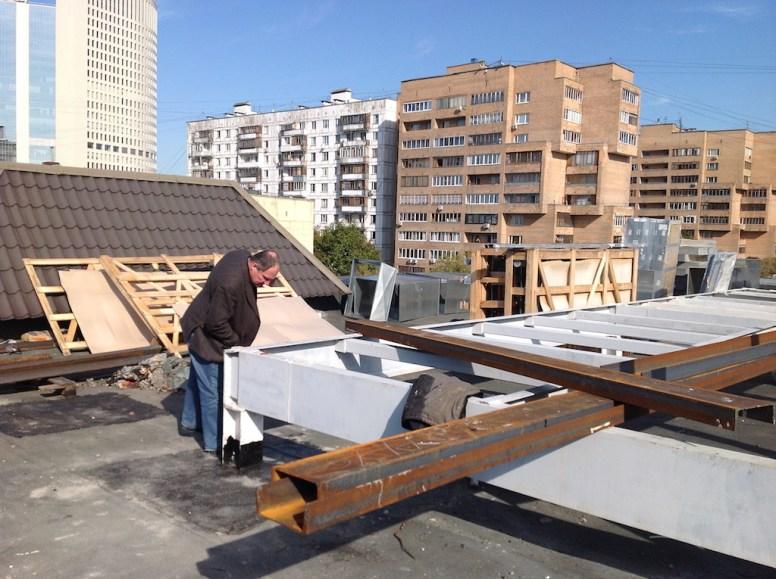 Возведение вентиляционной камеры на крышке здания