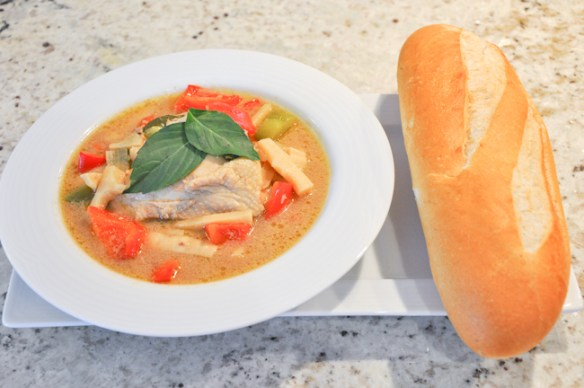 Thai Chicken Curry with Baguette