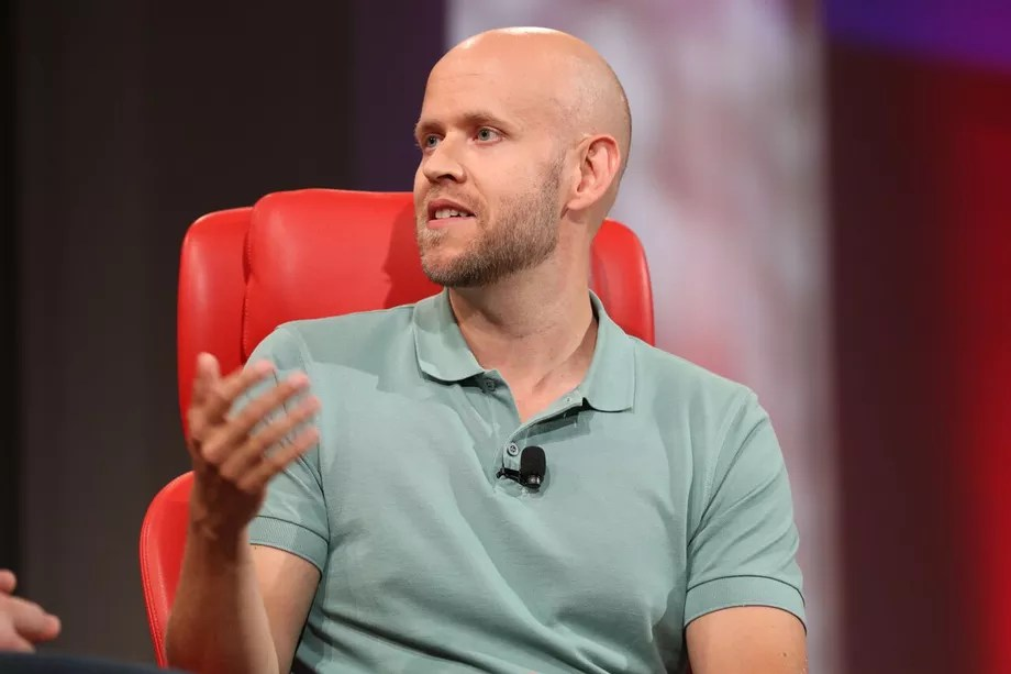 Spotify is starting to compete with the music labels by signing direct deals with music acts Just like it said it would.