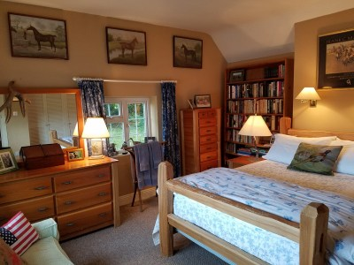 the stylish bedroom at glenlohane holiday cottage