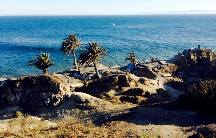 wide landscape shot of Sunken City on the California Coast