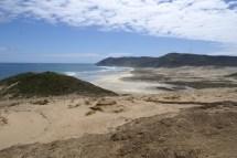 Après une trèèès longue traversée de la plage, voici l'autre point de vue de Te Werahi beach.