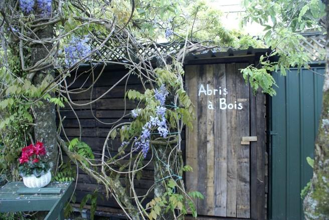 French wood shed... et ça tient debout!