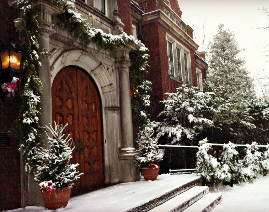 Christmas Tour Glensheen