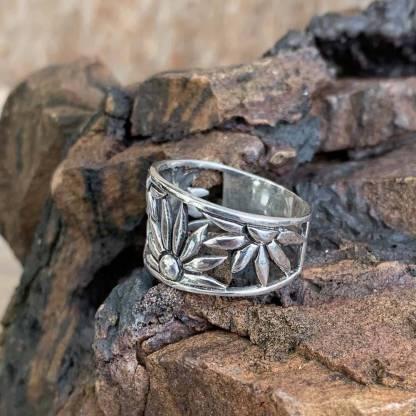 Sterling Silver Daisy Ring