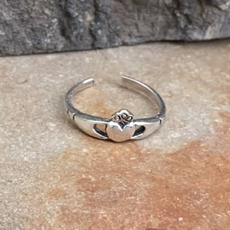 Sterling Claddagh Toe Ring
