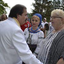 NIcolae BOTGROS o salută pe Mariana Honceriu din Botoșani