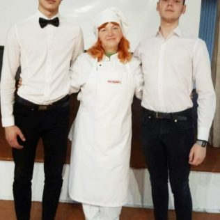 Лидия МАНЗЮК с помощниками