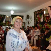 Svetlana PÂNTEA dă start șezătorii și bunei dispoziții