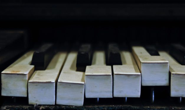 Study Finds that Black Keys Less Likely to be Played than White Keys