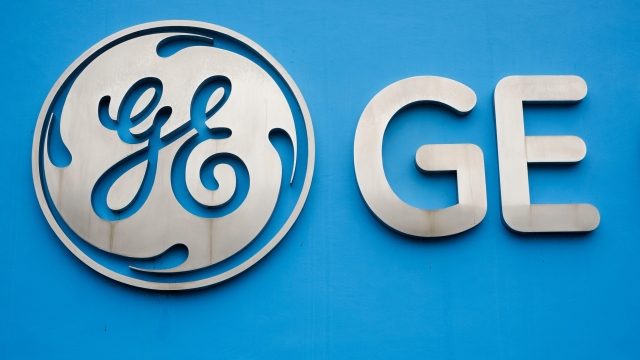General Electric will cut 12,000 jobs in its power division as alternative energy supplants demand for coal and other fossil fuels. via ringopendragon
