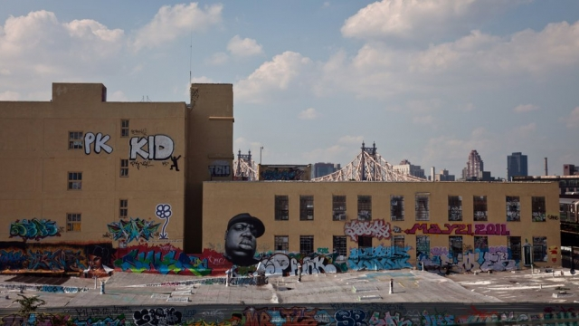 New York: Graffiti Artists Awarded $6.7 Million for Destroyed 5Pointz Murals via bridgesfreezefirst