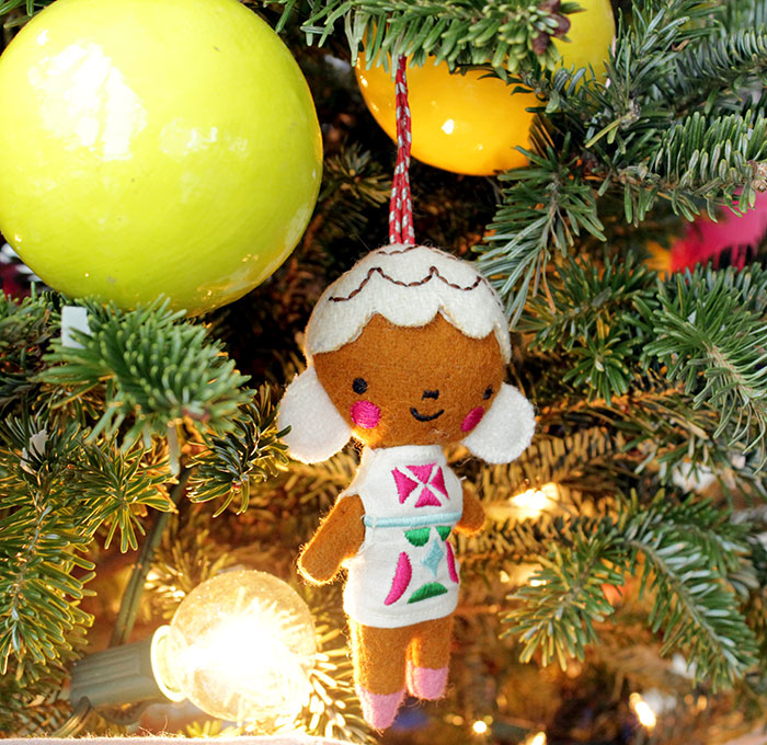 ChristmasTree_girl
