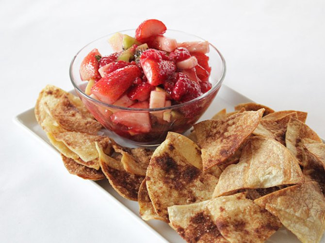 fruit-salsa-and-cinnamon-chips
