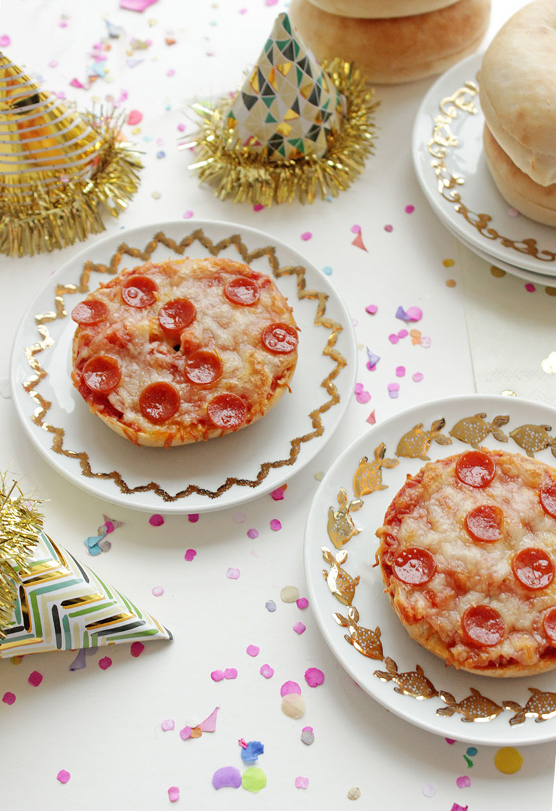 New-Years-Day-Pizza-Bagels