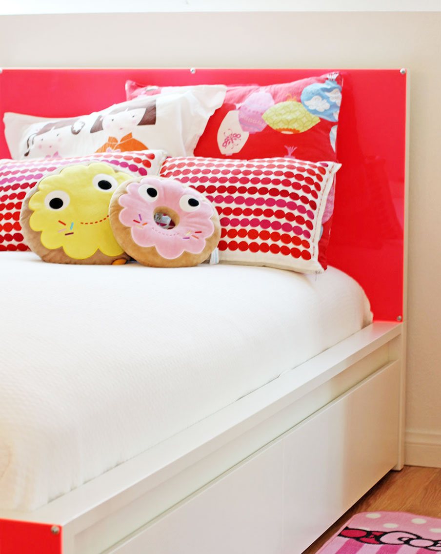 kids-lucite-bed