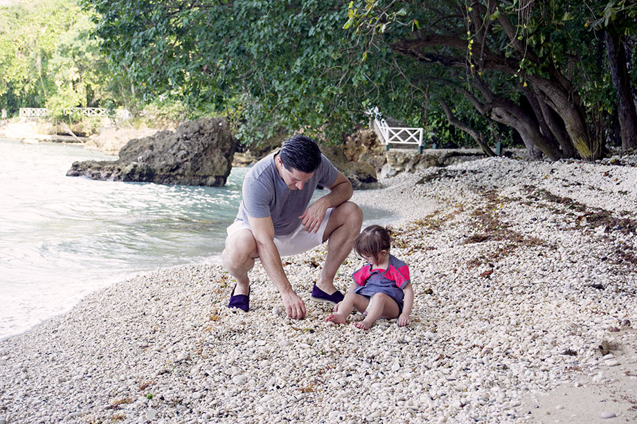 sand-with-dad