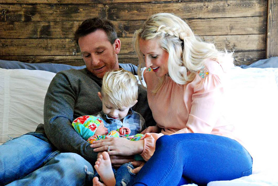Jessica Hughes is the blogger behind Happily Hughes and she's featured as this week's RAD Mom on Glitter and Bubbles.