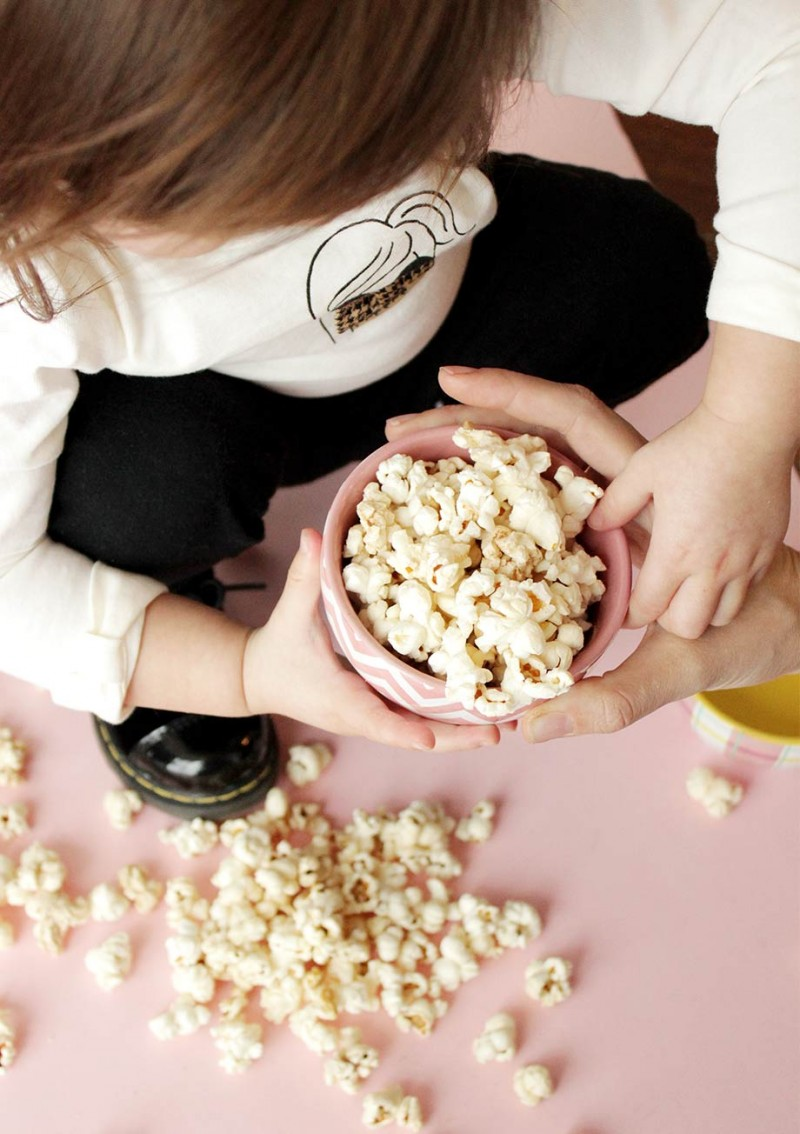 How to make Homemade Microwave Popcorn by Glitter and Bubbles.