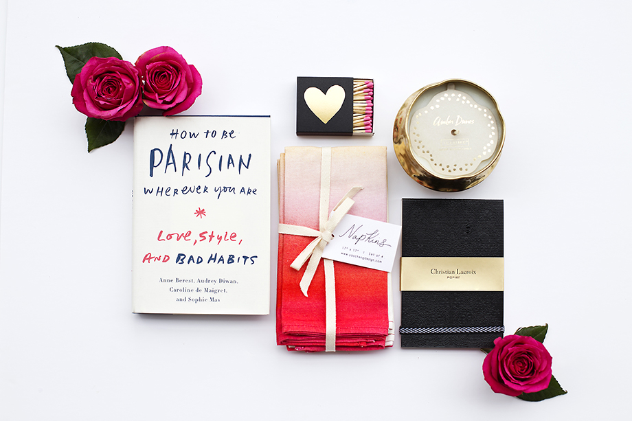 This giveaway by Glitter and Bubbles gives readers the chance to win a special Mother's Day box from Curate Chicago.